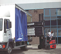 Loading pallets into a lorry